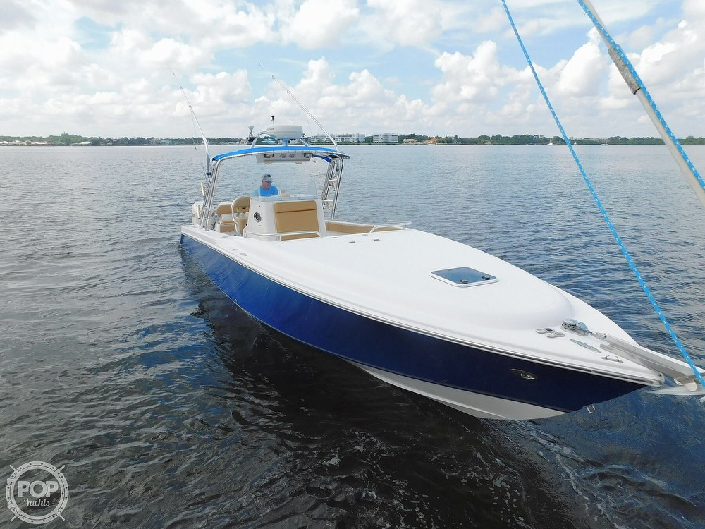 Dakota 360SF Center Console 2006 Dakota 360SF Center Console for sale in Stuart, FL