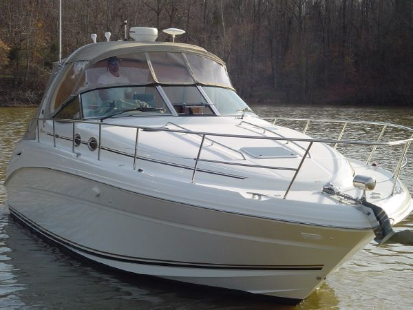 Sea Ray 360 Sundancer Port Bow