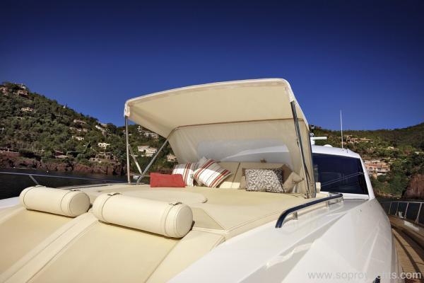 Bow solarium - Sessa C68 Yacht Line