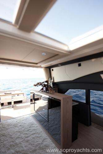 Saloon - Sessa C68 Yacht Line