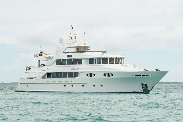 Richmond Yachts Tri-Deck Motor Yacht PROFILE