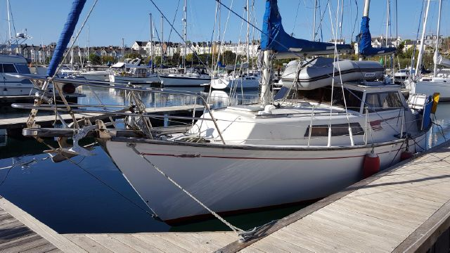 Beneteau Evasion 32 with BJ Marine