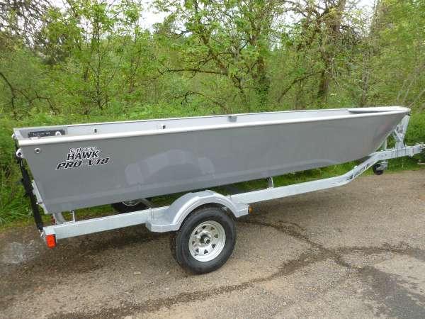 River™ Hawk Boats Pro V18