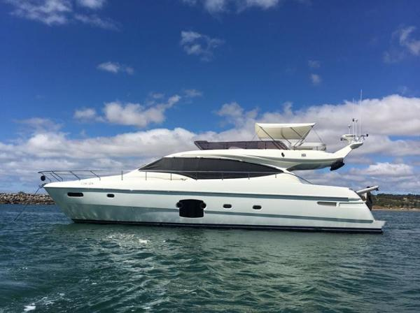 Ferretti Yachts 592 Ferretti 592