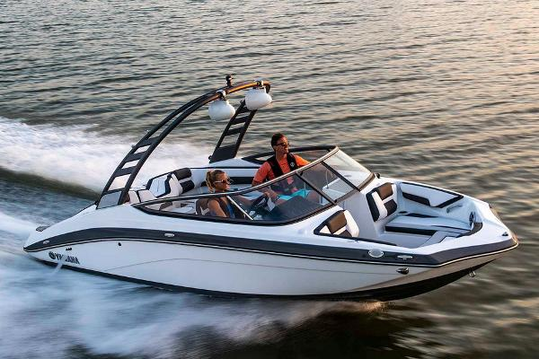 Yamaha Boats 195S Manufacturer Provided Image