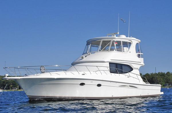 Silverton 48/50 Convertible 2005 48 SILVERTON CONVERTIBLE-FRESH WATER BOAT!