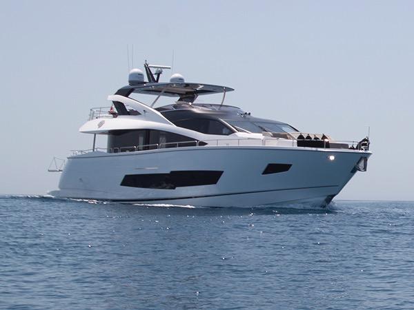 Sunseeker 86 Yacht ROAMING SPUR