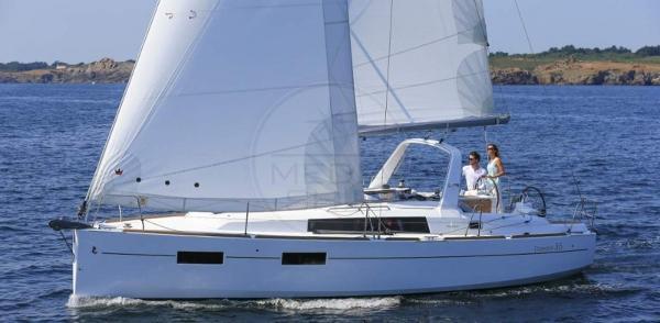 Beneteau Oceanis 35 BENETEAU - OCEANIS 35 - exteriors