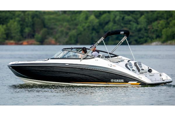 Yamaha Boats 212 Manufacturer Provided Image