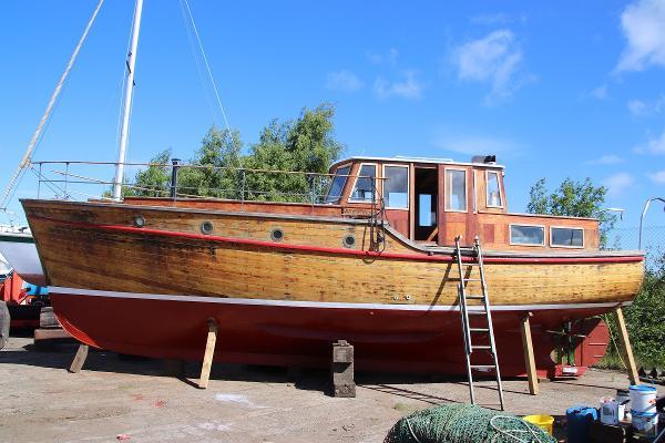 Classic Wooden Motor Yacht Wooden Motor Yacht El Manana