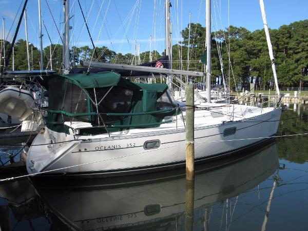 Beneteau Oceanis 352 Elation