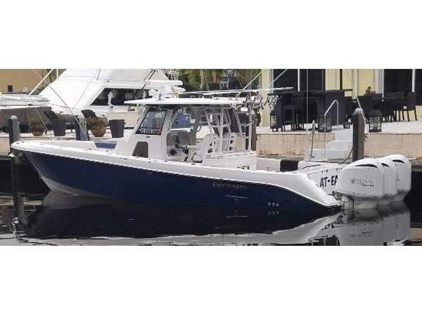Everglades Boats 355CC