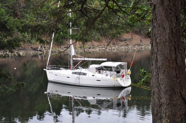 Beneteau Oceanis 40 At Anchor