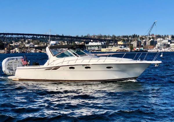 Tiara 3500 Open Starboard Profile