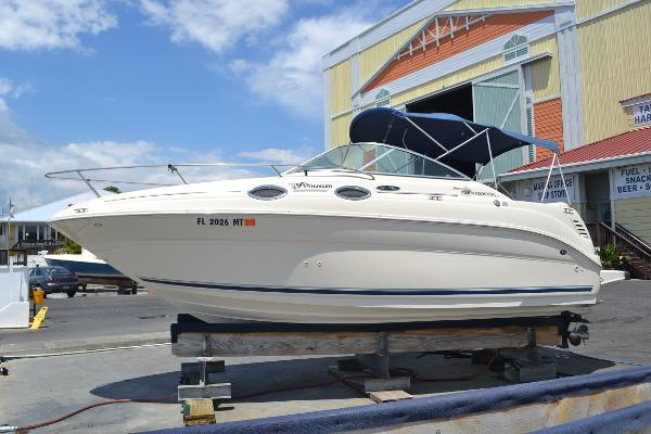 Sea Ray 240 Sundancer Profile