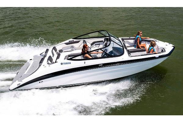 Yamaha Boats SX210 Manufacturer Provided Image