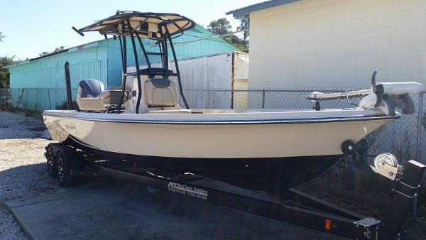 BLUE WAVE BOATS 2400 PureBay