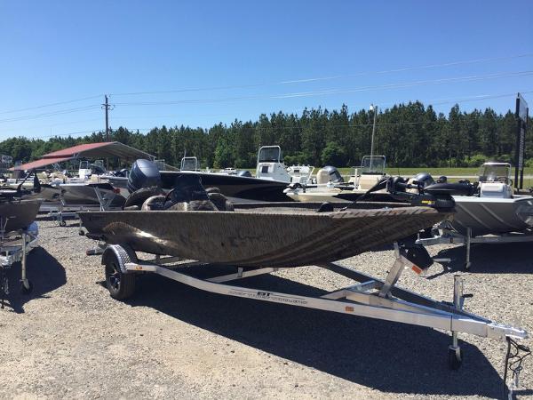 Xpress Boats XP185 Catfish Series