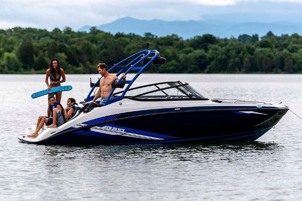 Yamaha Boats AR210 Manufacturer Provided Image