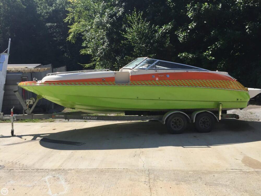 Larson Escape 234 Deck Boat 2002 Larson 234 Escape for sale in Brasstown, NC