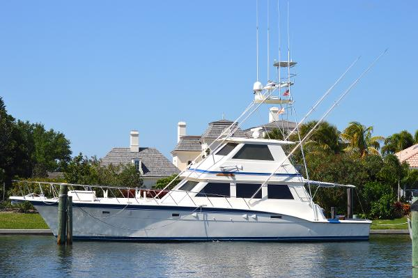 """Hatteras Convertible with Tower 1985  60' Hatteras 'Silver Streak"""" Profile"""
