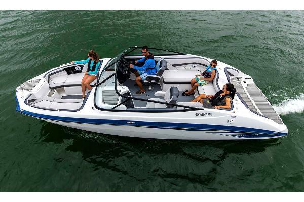 Yamaha Boats SX240 Manufacturer Provided Image