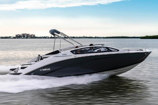 Yamaha Boats 275 E Manufacturer Provided Image