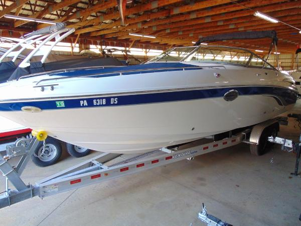 Chaparral 280 SSI Bow Rider