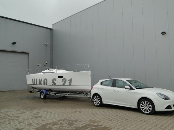 Viko 21 VIKO 21 being trailered