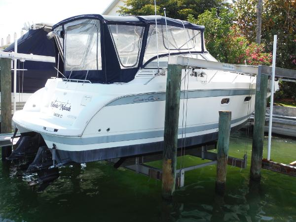 Chris-Craft 300 Express Cruiser