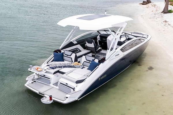 Yamaha Boats 275 SD Manufacturer Provided Image