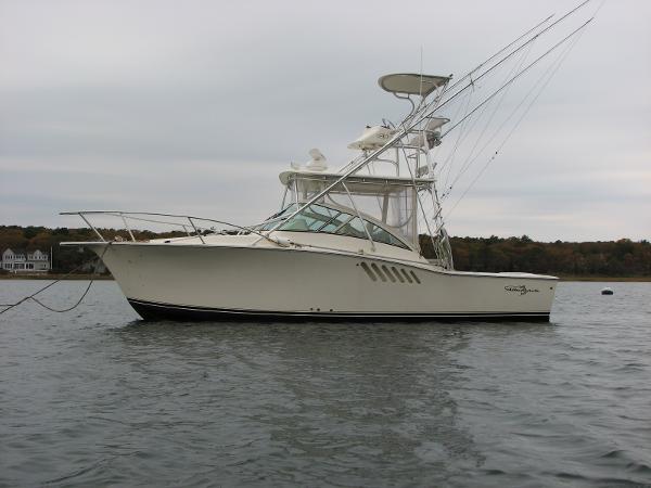 Albemarle 310 Express Fisherman Portside