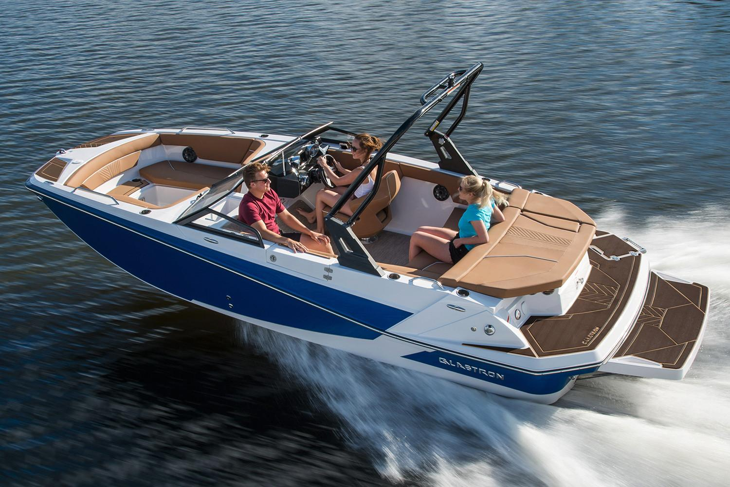 Glastron Deck boats GTD 225