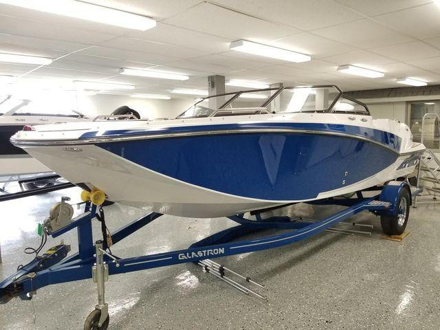 Glastron Deck boats GTD 205