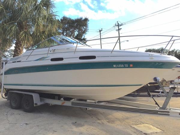 Sea Ray Sundancer 230