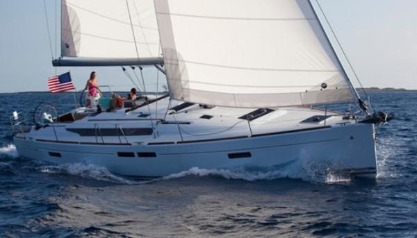 Jeanneau 479 Sun Odyssey The 469so under sail