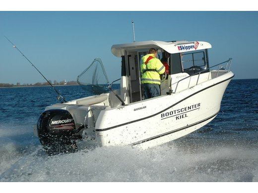 Quicksilver Capture 605 Pilothouse