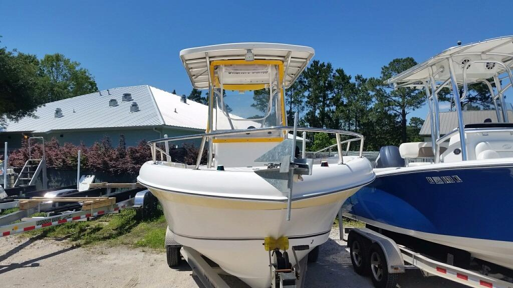 Sea Chaser Offshore Series 2400CC