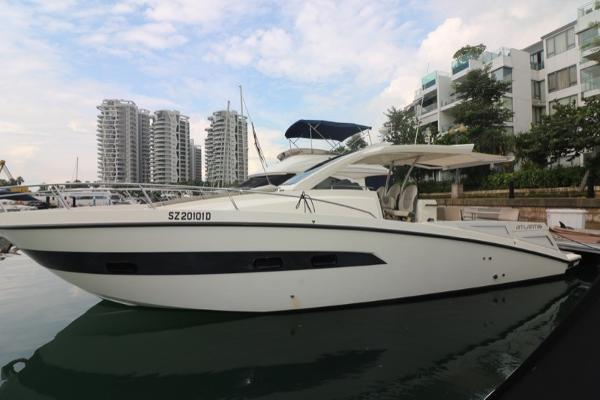 Azimut ATLANTIS VERVE 36 Port Side