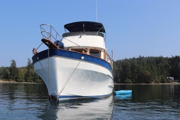 Sea Ranger 47 Pilothouse
