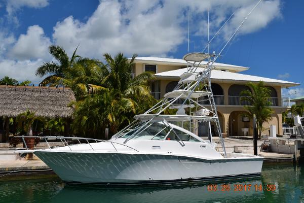 Cabo yachts 35 Express Port side