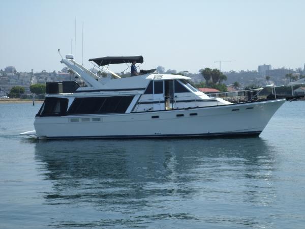 Bayliner 4550 Side Profile