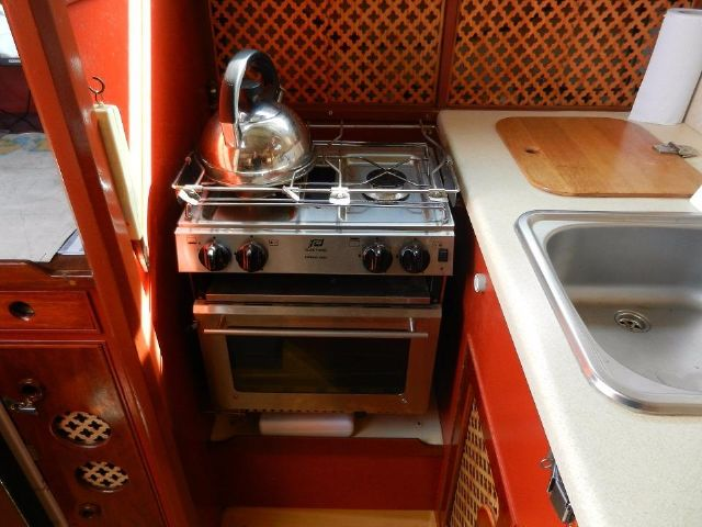 2 Burner, grill and Oven