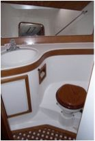 Forward guest cabin ensuite