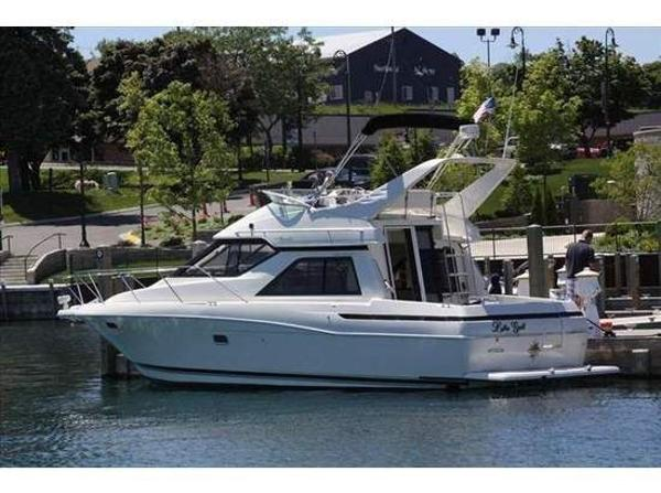 Bayliner 3488 Avanti Command Bridge