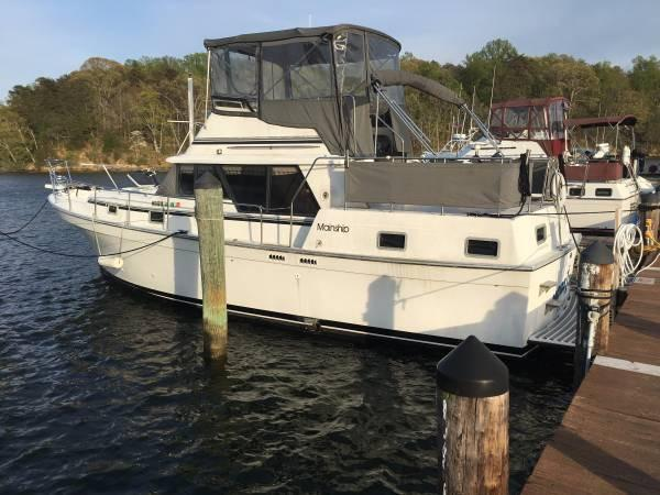 Mainship 36 Double Cabin 1985 Mainship Double Cabin - Port