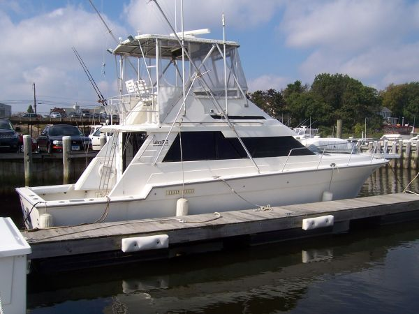 Luhrs 400 Convertible Photo 1