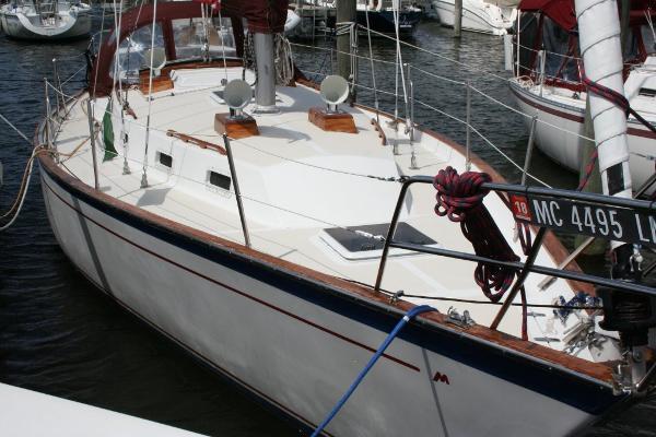 Morgan 384 Starboard side foredeck (recent)