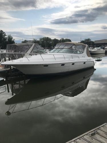Cruisers Yachts 3375 ESPIRIT