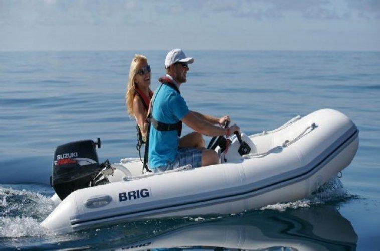 Brig Falcon 300 Luxe